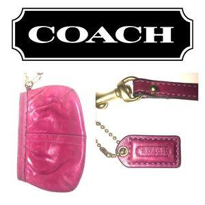 Coach Burgundy wristlet😍😍